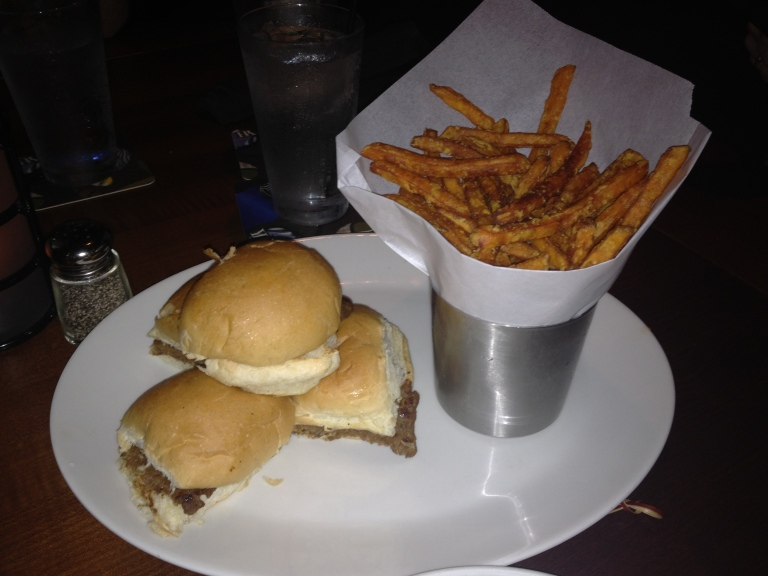 New restaurant review yard house my very vegan life for Classic sliders yard house